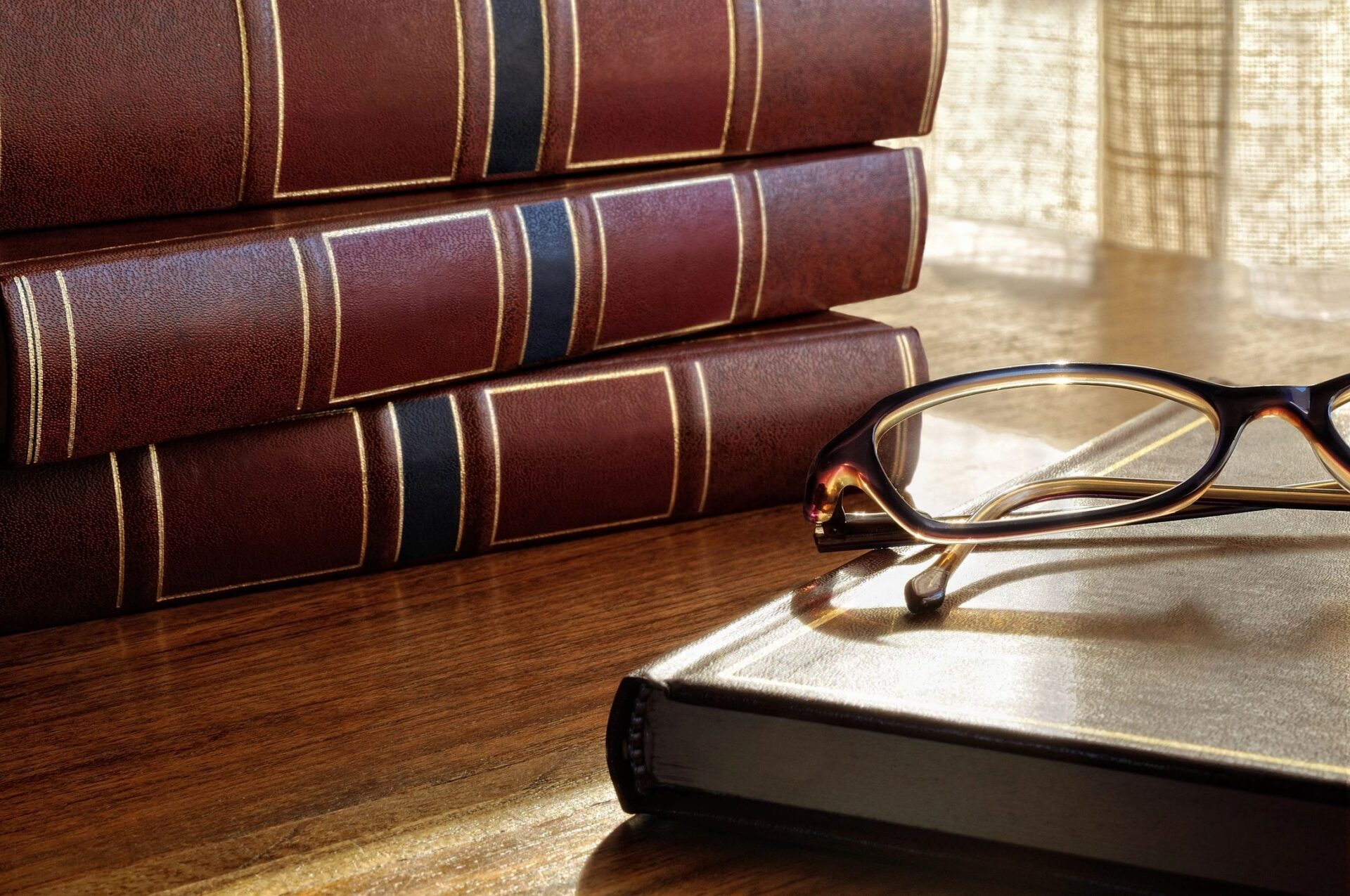 Books used by Criminal Defense Lawyer for Drug Charges, Domestic Assault, Marijuana, Cannabis, and Violation of Probation in Dickson TN
